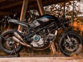 unique-ducati-monster-900-looks-brutal-sporting-a-fresh-coat-of-inky-paintwork