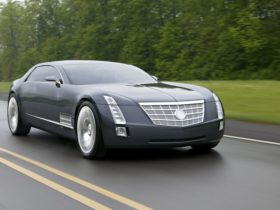 remembering-the-wild-cadillac-sixteen-concept-and-its-1,000-hp-v16-engine