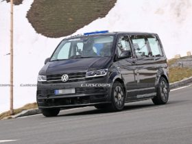 photo-spies-for-the-first-time-filmed-the-interior-of-the-vw-id-buzz-during-testing-in-the-alps