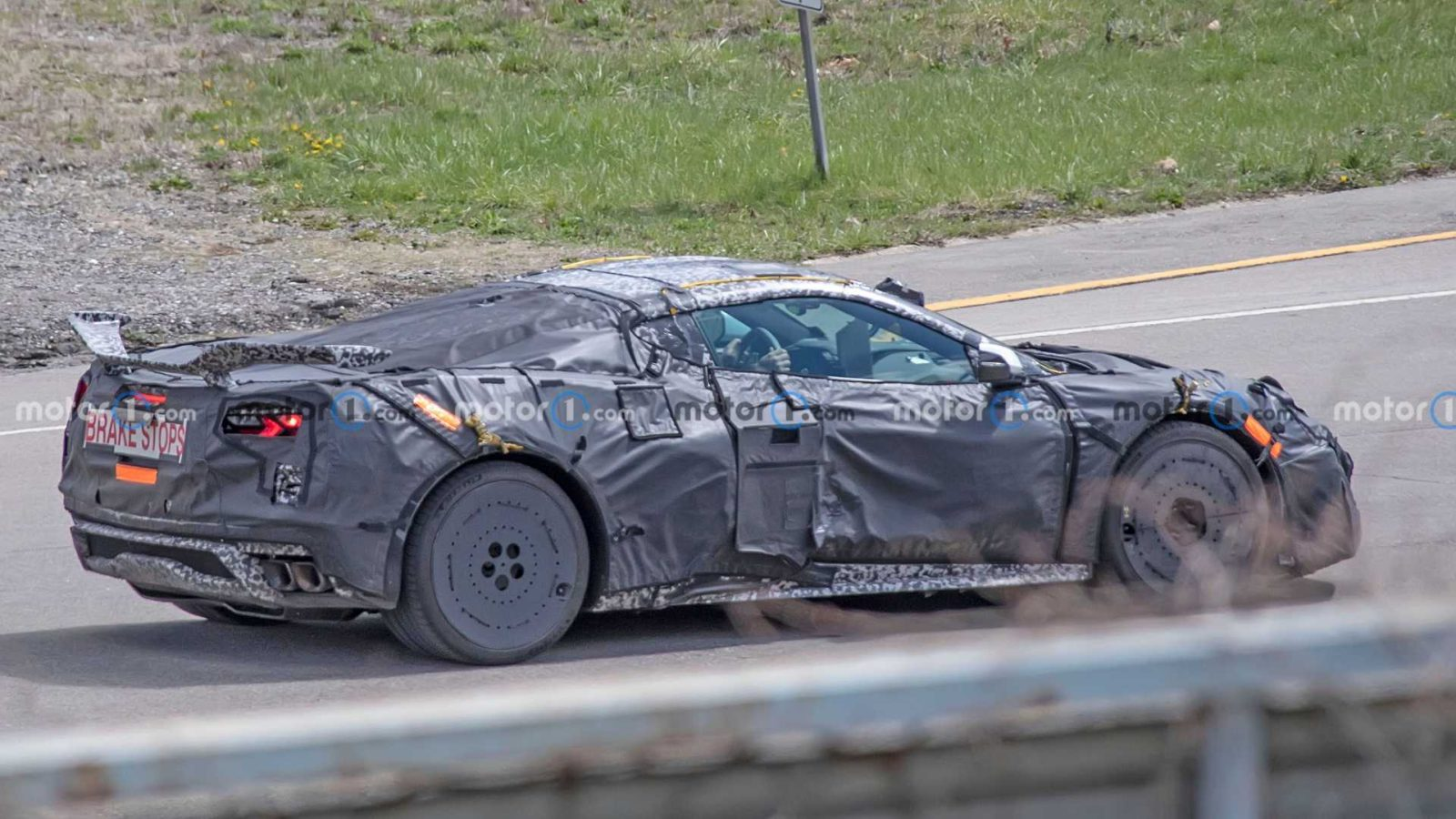 charged-corvette-z06-delayed-until-model-year-2023