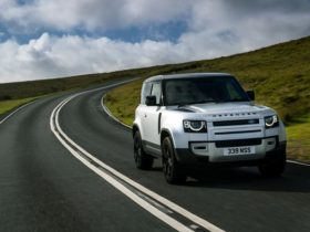 land-rover-defender-production-halted-due-to-chip-shortage