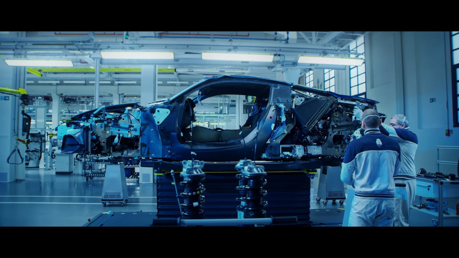 here's-how-maserati-makes-the-new-mc20-supercar-in-modena