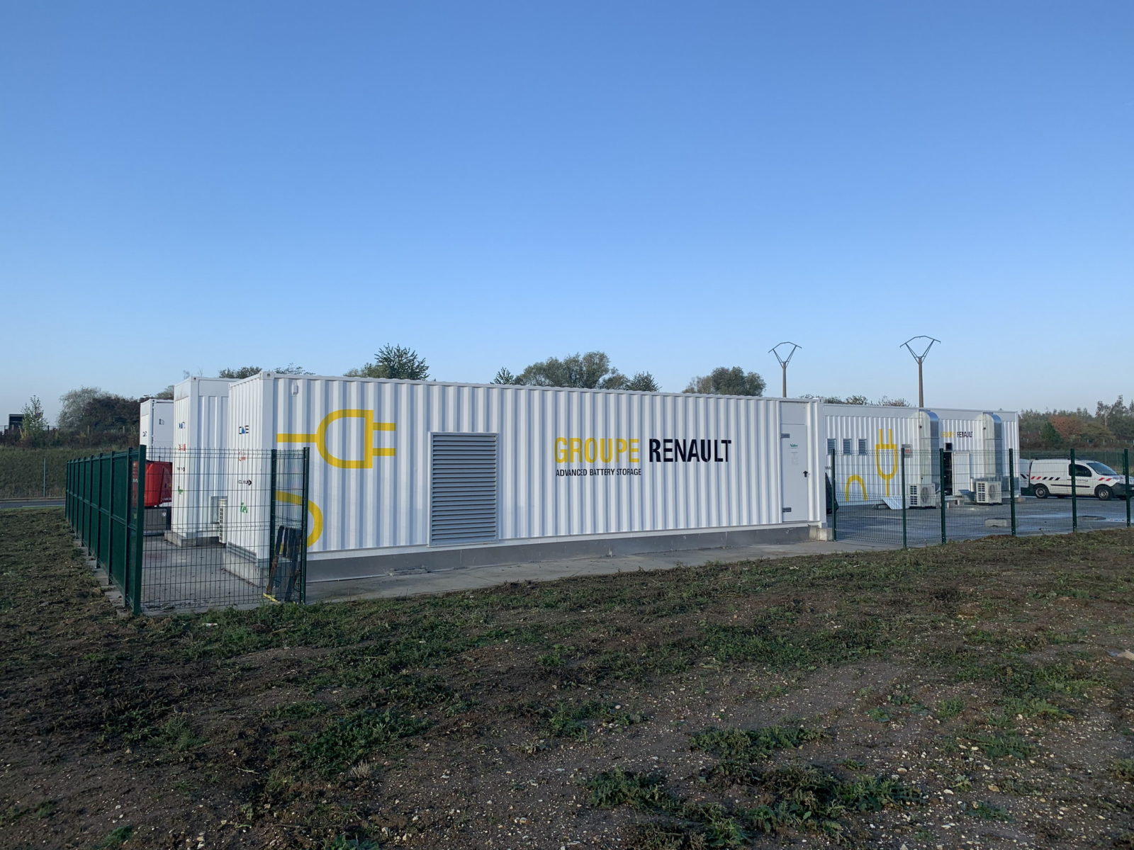 new-strategic-partnerships-to-advance-renault's-plan-for-ev-battery-factories