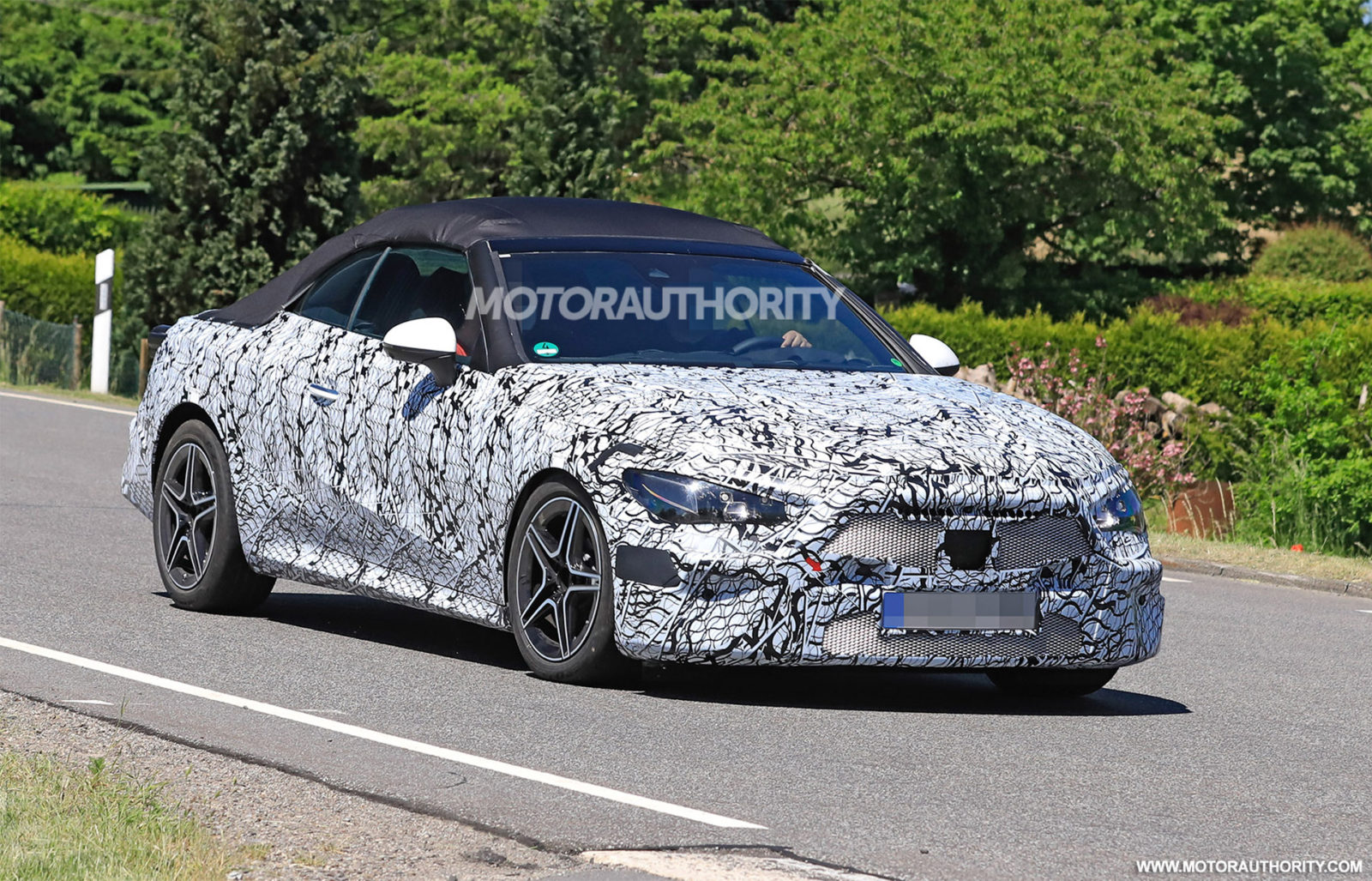 new-mercedes-cle-class-will-reportedly-replace-c-class-and-e-class-coupes-and-convertibles