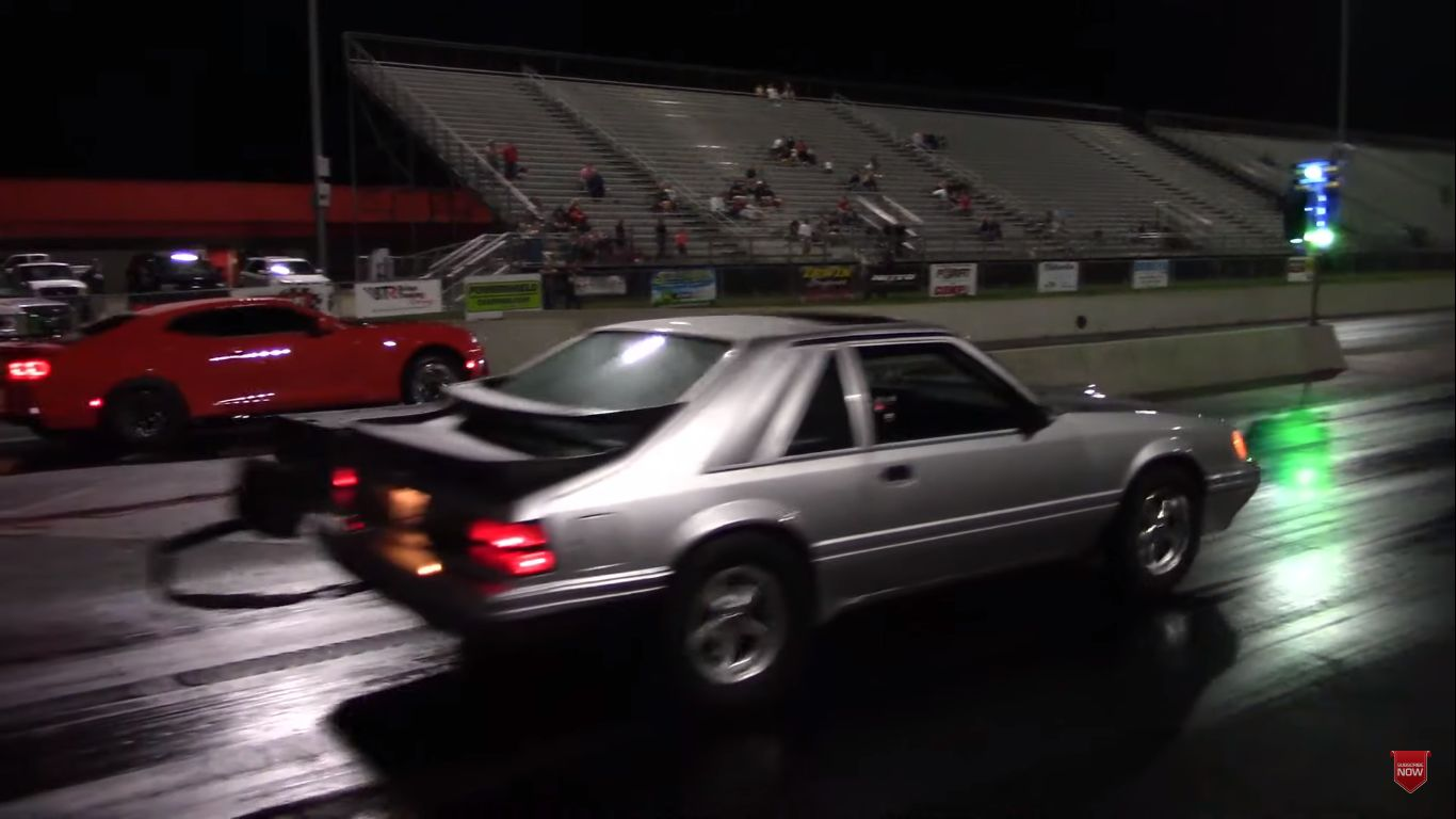 twin-turbo-camaro-zl1-drag-races-fox-body-mustang,-gets-severely-punished