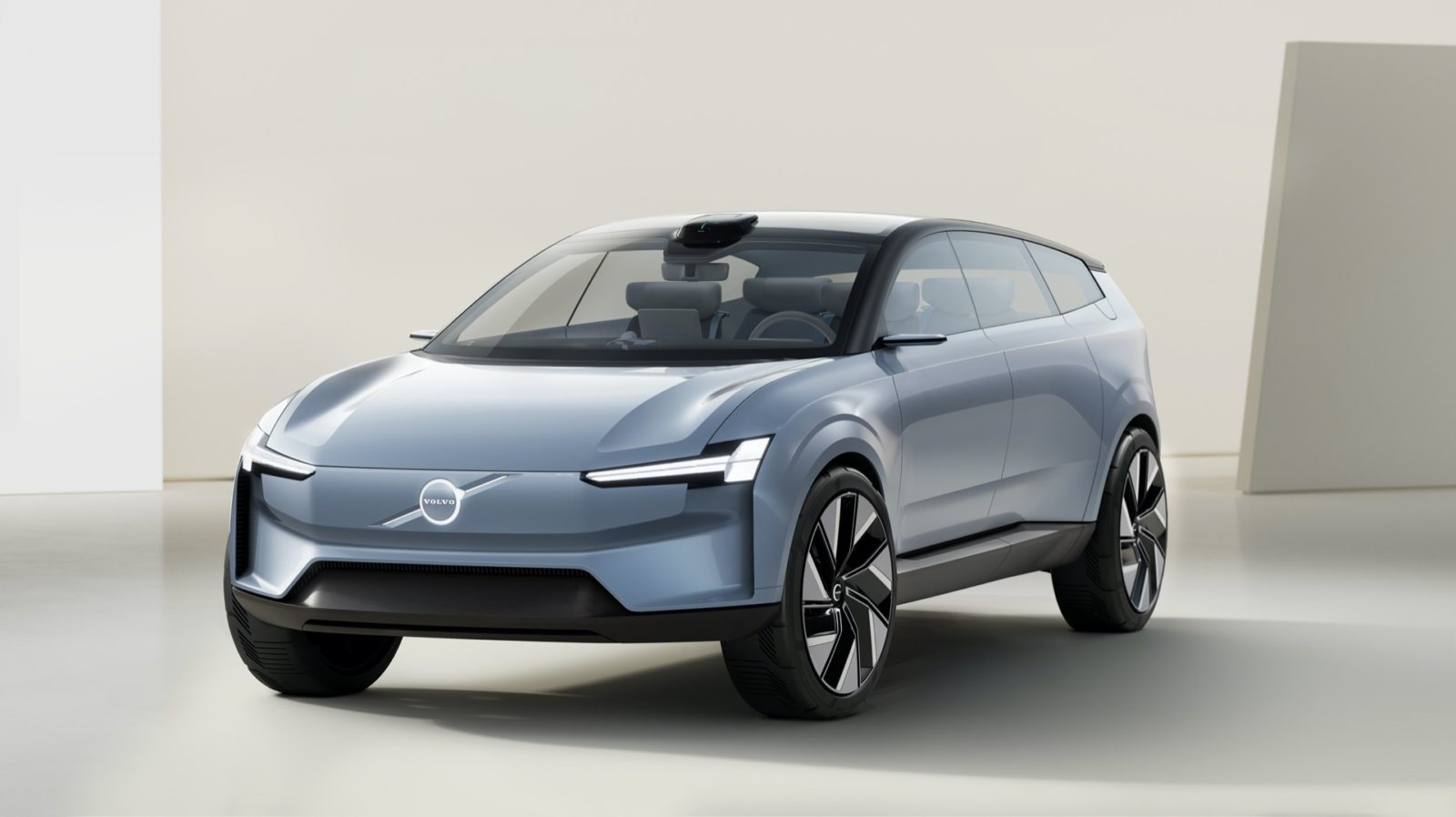volvo-concept-recharge-is-the-electric-wagon-of-the-future