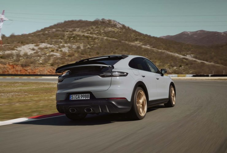 2022-porsche-cayenne-turbo-gt,-alpine-electric-cars,-opel-astra:-today's-car-news