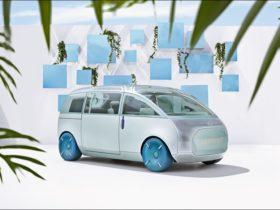 mini-vision-urbanaut-concept-becomes-a-real-model