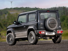 suzuki-unveils-practical-jimny-lcv-two-seater-off-roader-with-extra-cargo-room