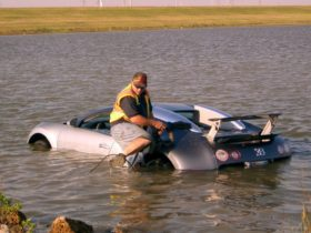 the-strange-story-of-the-lake-drowned-bugatti-veyron-and-its-possible-comeback