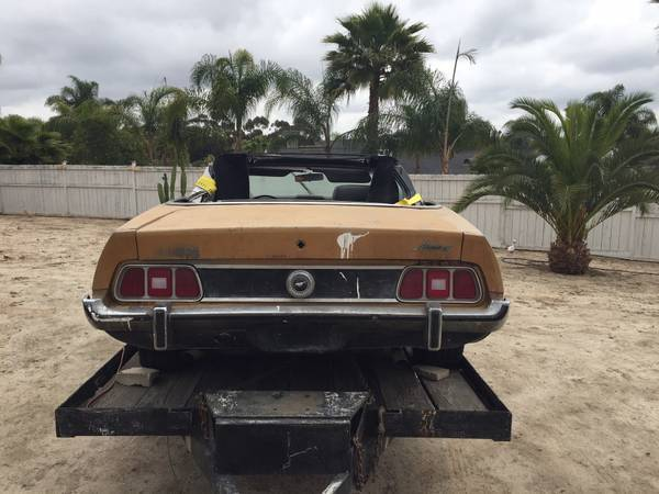 1973-ford-mustang-barn-find-sees-daylight-after-30-years,-somehow-has-zero-rust