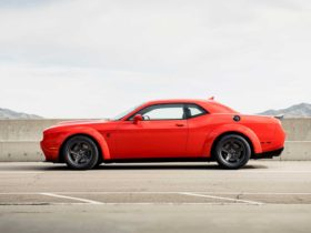 the-dodge-challenger-sold-better-than-the-ford-mustang,-chevy-camaro-in-q2-2021