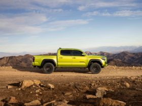 toyota-tacoma-leads-q2-2021-mid-size-pickup-truck-sales-battle