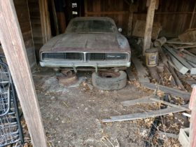 matching-numbers-1968-dodge-charger-has-been-rotting-in-a-barn-since-1989
