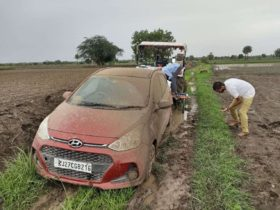 google-maps-believes-it-found-a-faster-route,-gets-tourists-stuck-in-mud-instead