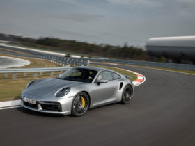 porsche-fitted-the-911-(992)-with-wrong-passenger-seats,-now-it's-recalling-them