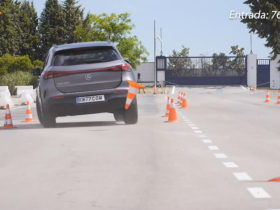 2021-mercedes-benz-eqa-ev-looks-prickly-performing-the-moose-test