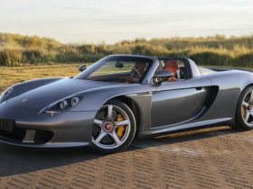 2004-porsche-carrera-gt-once-owned-by-f1-champ-jenson-button-sold-for-$975,000