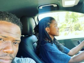 kevin-hart-gets-in-the-passenger-seat-for-a-change,-and-his-daughter-is-driver