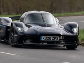 2022-aston-martin-valkyrie-to-debut-at-goodwood-festival-of-speed