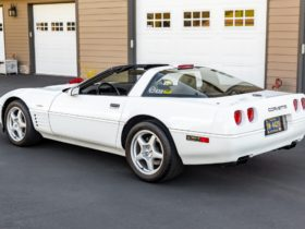 """low-mile-""""king-of-the-hill""""-1994-corvette-zr-1-looks-forward-to-new-adventures"""
