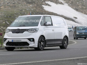 2024-volkswagen-id-buzz-spy-shots-and-video:-modern-electric-bus-takes-shape