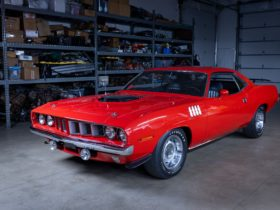 all-original-1971-plymouth-hemi-cuda-is-the-holy-grail,-but-there's-a-catch