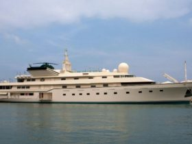 nabila,-the-shamelessly-outrageous-benetti-superyacht-that-wrote-history