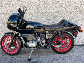 tackle-long-distance-rides-like-a-boss-with-this-groovy-1980-bmw-r100rs