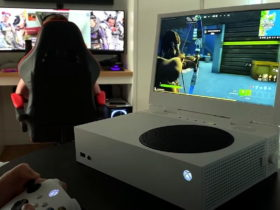 xscreen-turns-the-xbox-series-s-into-a-chunky-portable-gaming-machine