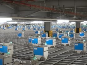 an-army-of-more-than-2,000-robots-swarms-in-a-grocery-warehouse-in-the-uk.