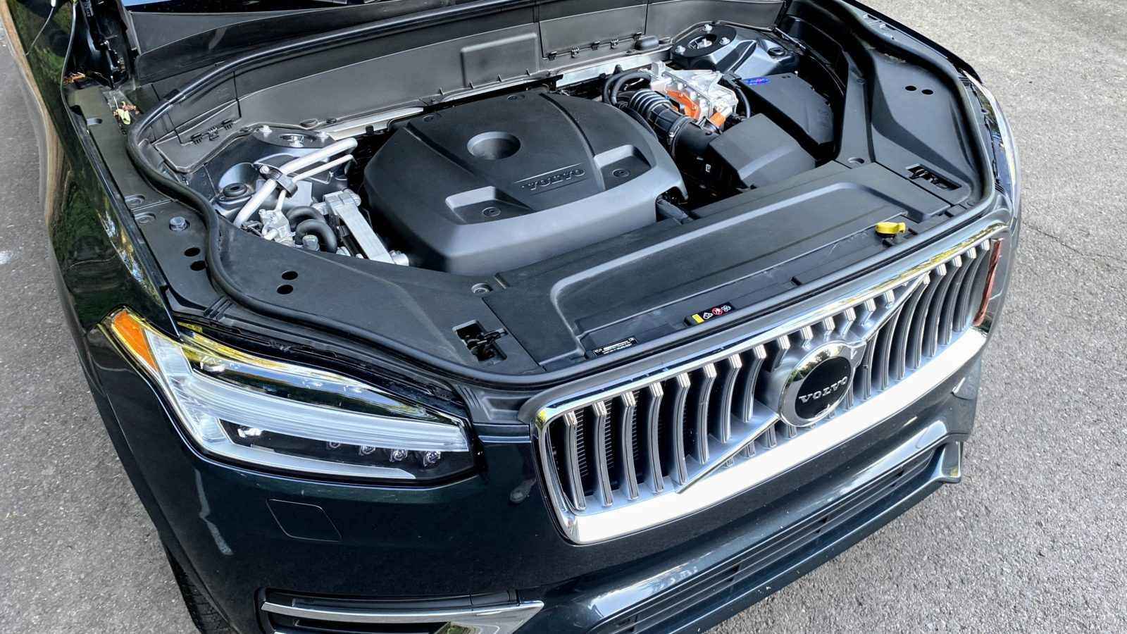 as-it-turns-toward-evs,-volvo-spins-off-internal-combustion-engine-operations
