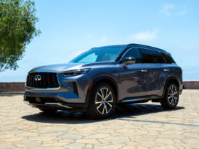 redesigned-2022-infiniti-qx60-adds-technology,-refinement,-and-$2,500-to-the-price-tag