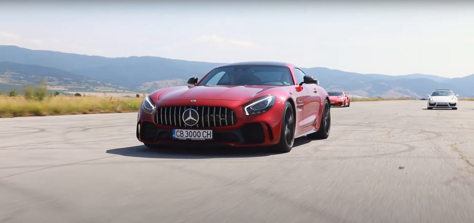 gt3-rs-and-turbo-s-porsche-911s-gang-up-on-mercedes-amg-gt-r-in-quick-drag-races