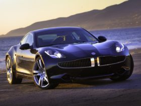 what-could-leonardo-dicaprio-be-doing-with-the-first-of-its-kind-fisker-karma-ev