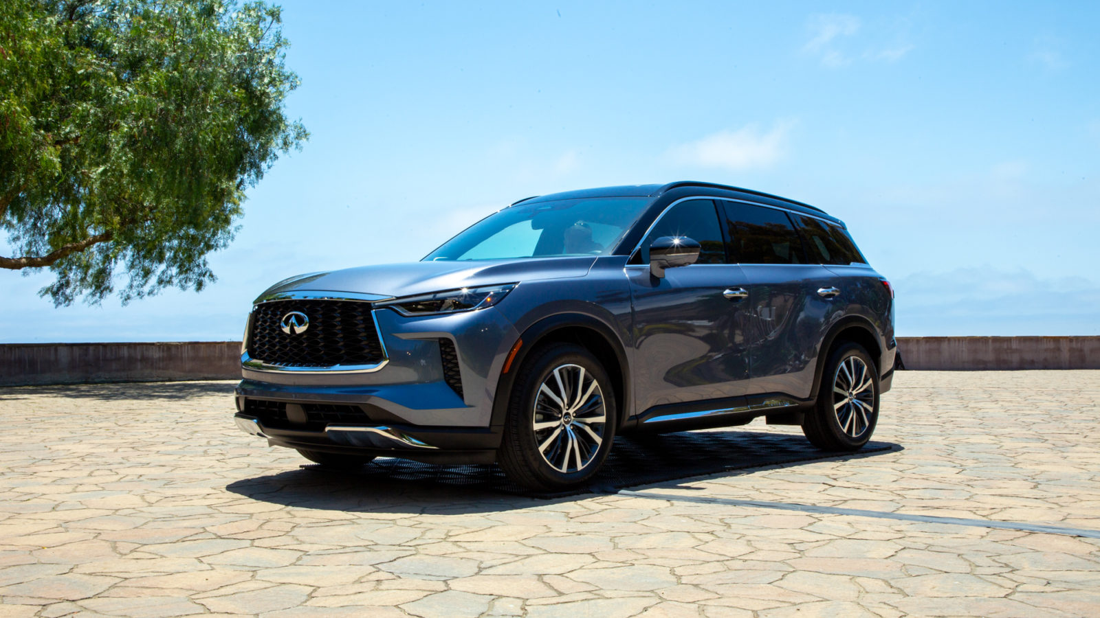 redesigned-2022-infiniti-qx60-adds-technology,-refinement,-and-$2,500-to-the-price