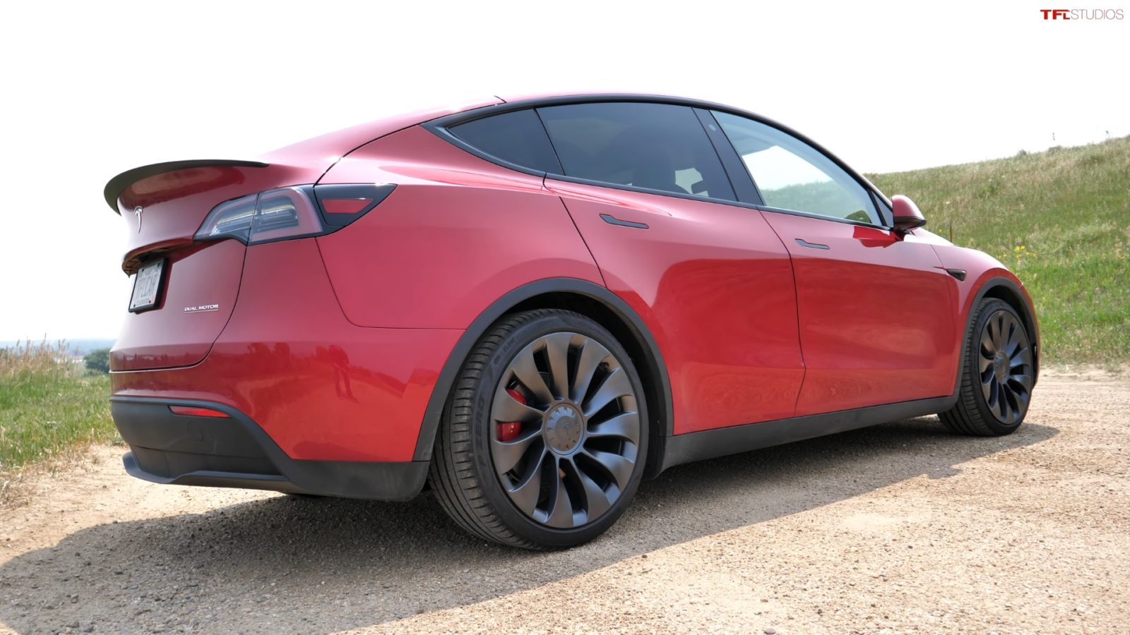 one-year-tesla-model-y-ownership-verdict:-here-are-the-good-and-bad-points