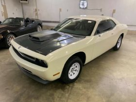 early-dodge-challenger-drag-pack-spent-a-decade-in-storage,-was-never-started
