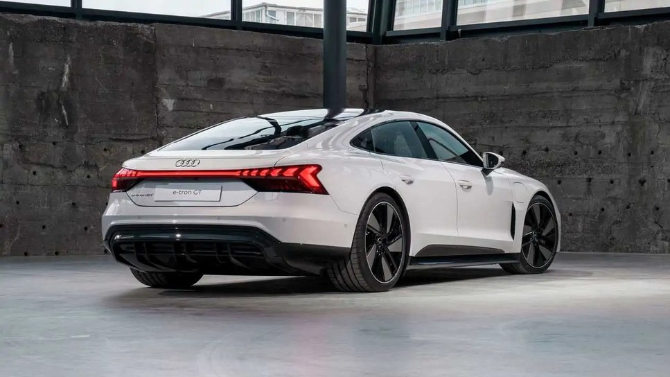 audi-brings-e-tron-gt-to-the-us-market