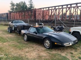 c4-chevy-corvette-using-gooseneck-hitch-for-towed-c4-drift-car-looks-so-unreal