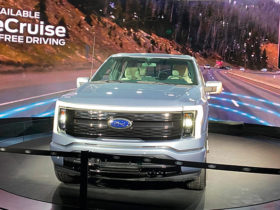 new-ford-maverick-and-f-150-lightning-debut-in-chicago