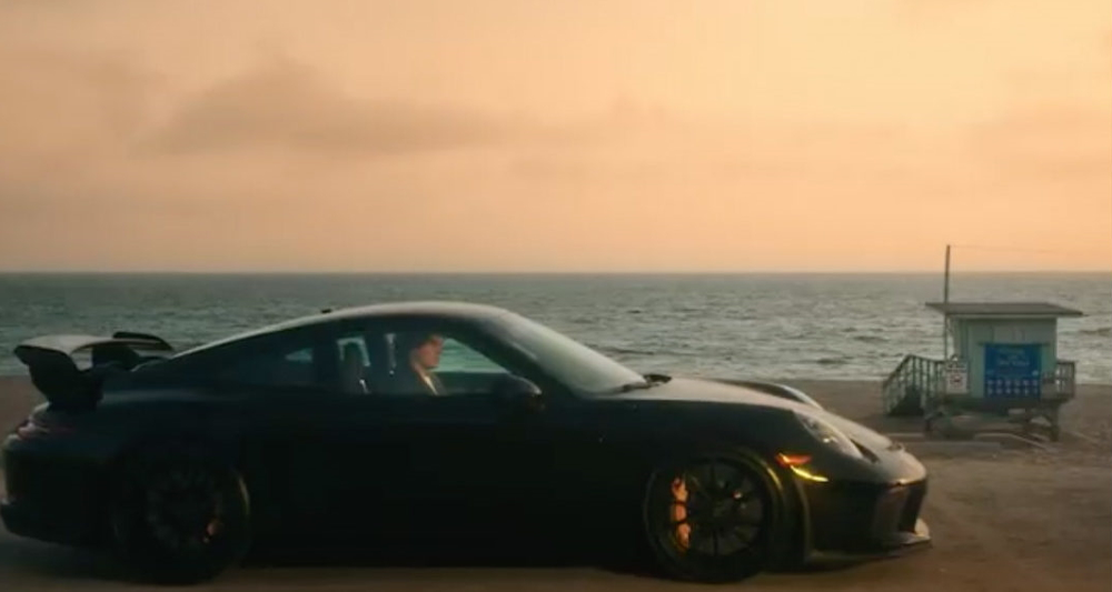 let-john-mayer,-his-porsche-911-gt3-and-cheesy-visuals-sell-you-new-music