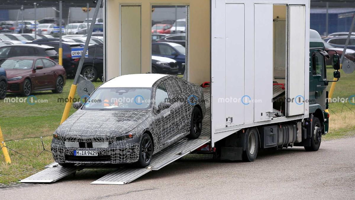 the-photo-shows-a-prototype-of-the-electric-bmw-i5-sedan