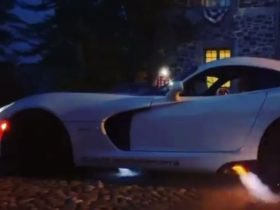 twin-turbo-viper-anti-lag-lights-up-the-fireworks,-sounds-like-it-too