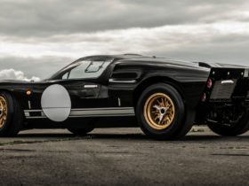 superformance-and-everrati-join-forces-to-make-a-classic-ford-gt40-an-ev-wonder