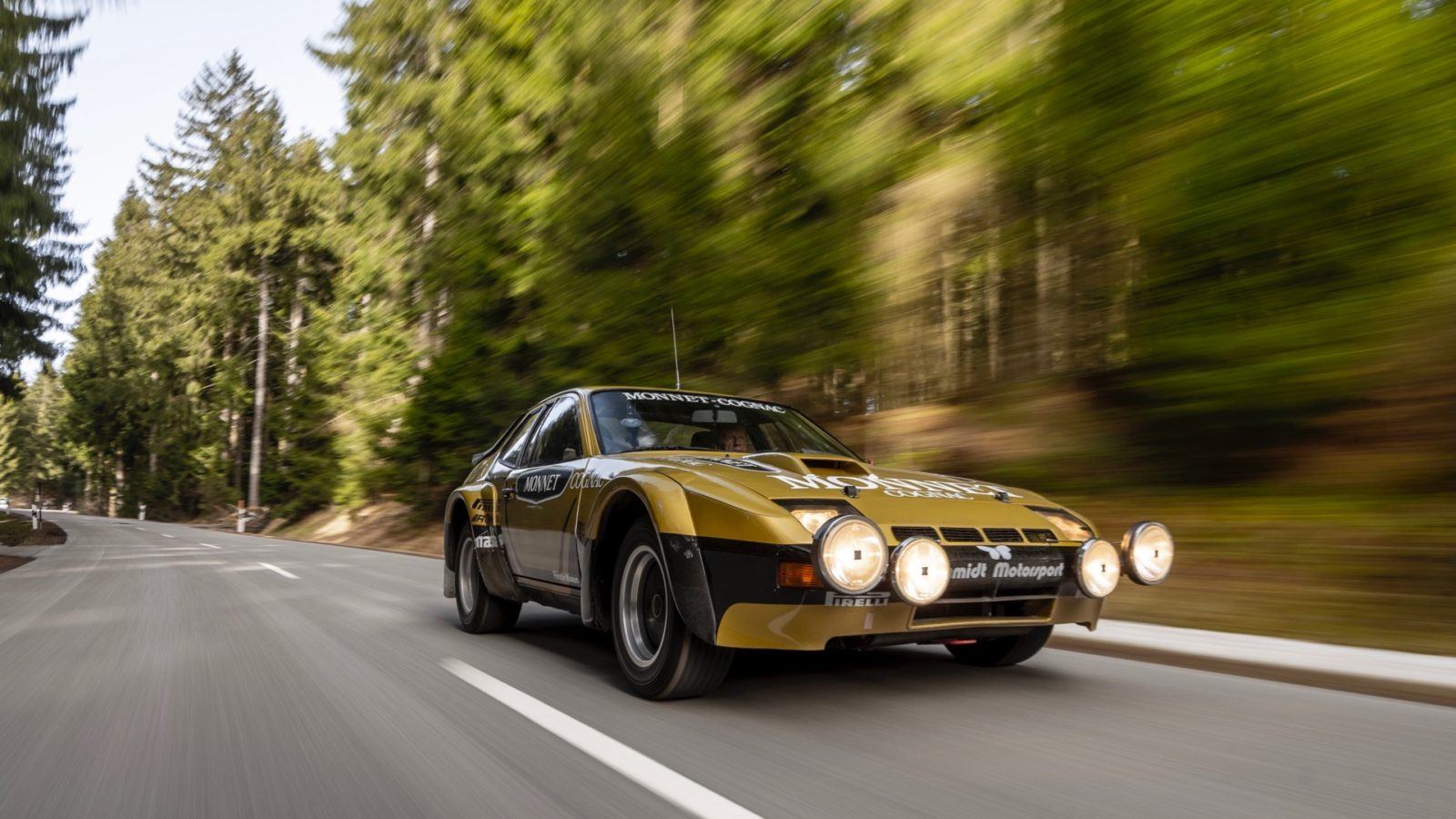 walter-rohrl-and-the-porsche-924-carrera-gts-rally-reunited-after-40-years