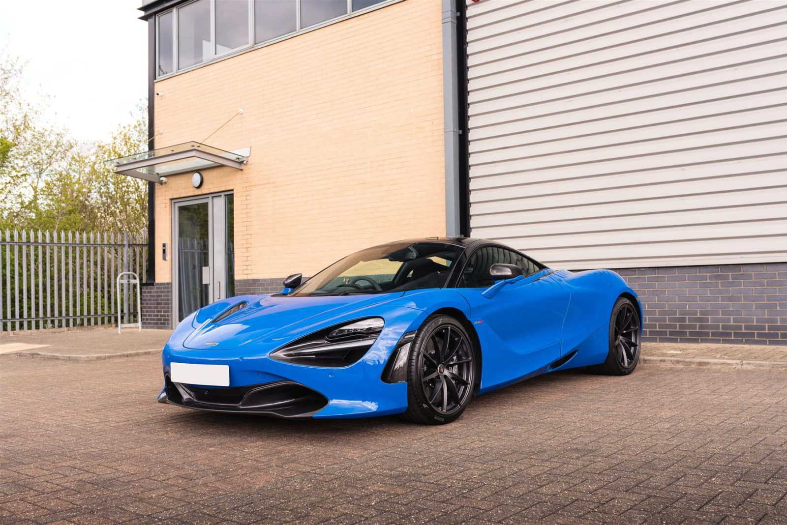 mike-flewitt's-mclaren-720s-is-up-for-grabs-with-many-mso-goodies