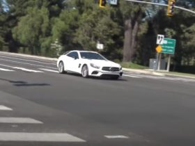 britney-spears-is-allowed-to-drive-again,-takes-out-the-mercedes-amg-sl-63
