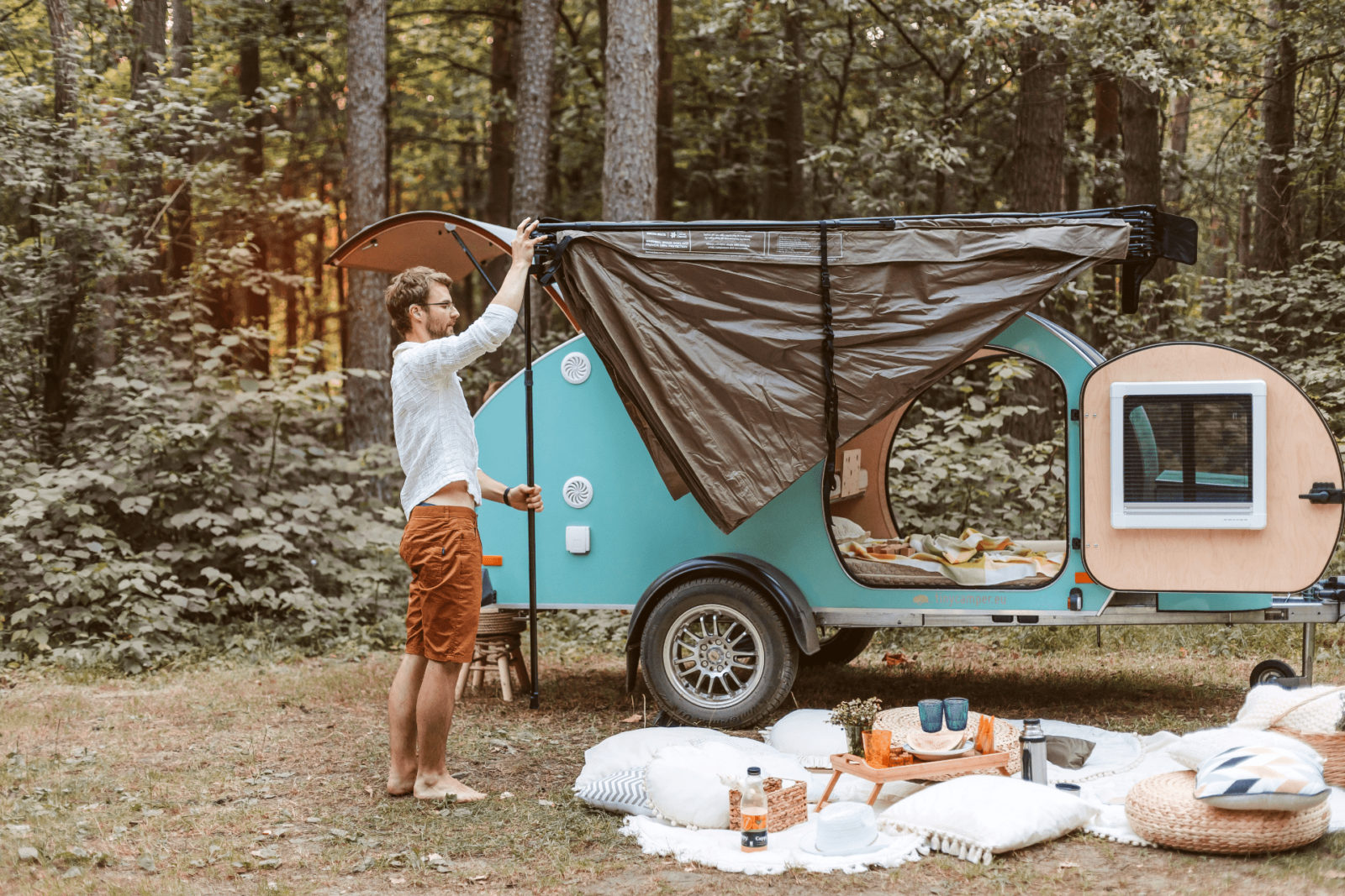 """the-""""mini""""-teardrop-camper-takes-inspiration-from-classic-american-designs"""