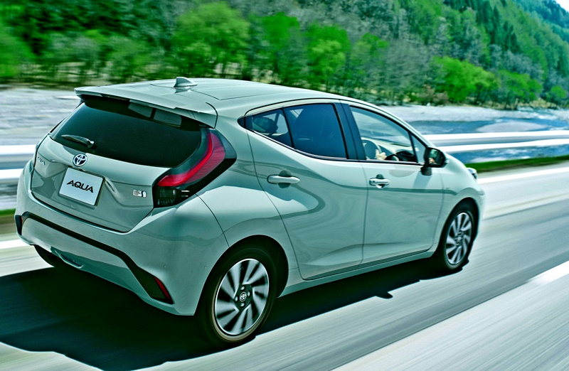 new-2nd-generation-toyota-prius-aqua/prius-c-is-first-vehicle-to-use-bipolar-nickel-hydrogen-battery